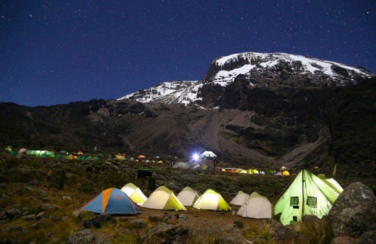 kilimanjaro-full-moon-800x520